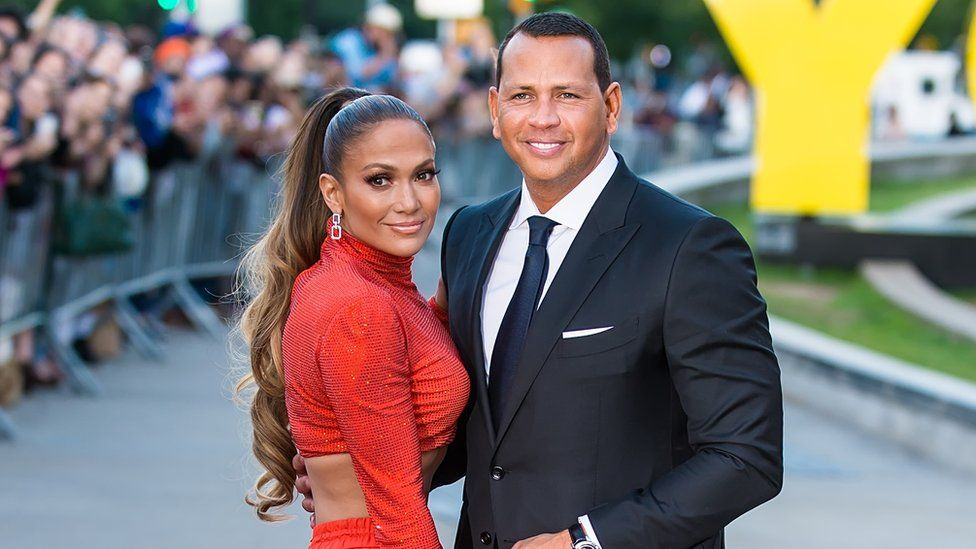the talented artists of Puerto Rican origin Jennifer Lopez with Alex Rodriguez in a gala presentation